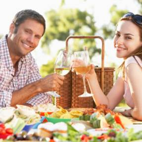 First Date Advice: 4 First Date Ideas to Rock Your Love Life