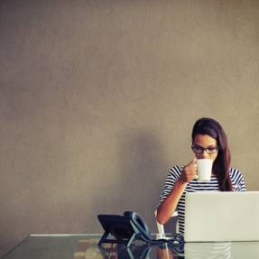 6 Ways to Get a Christian Single's Attention Online
