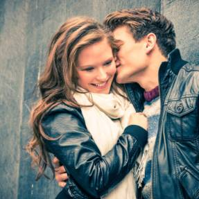 Things women love to hear on a first date