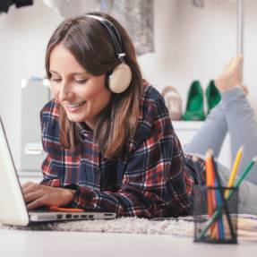 How to Create Your Ultimate Pre-Date Playlist